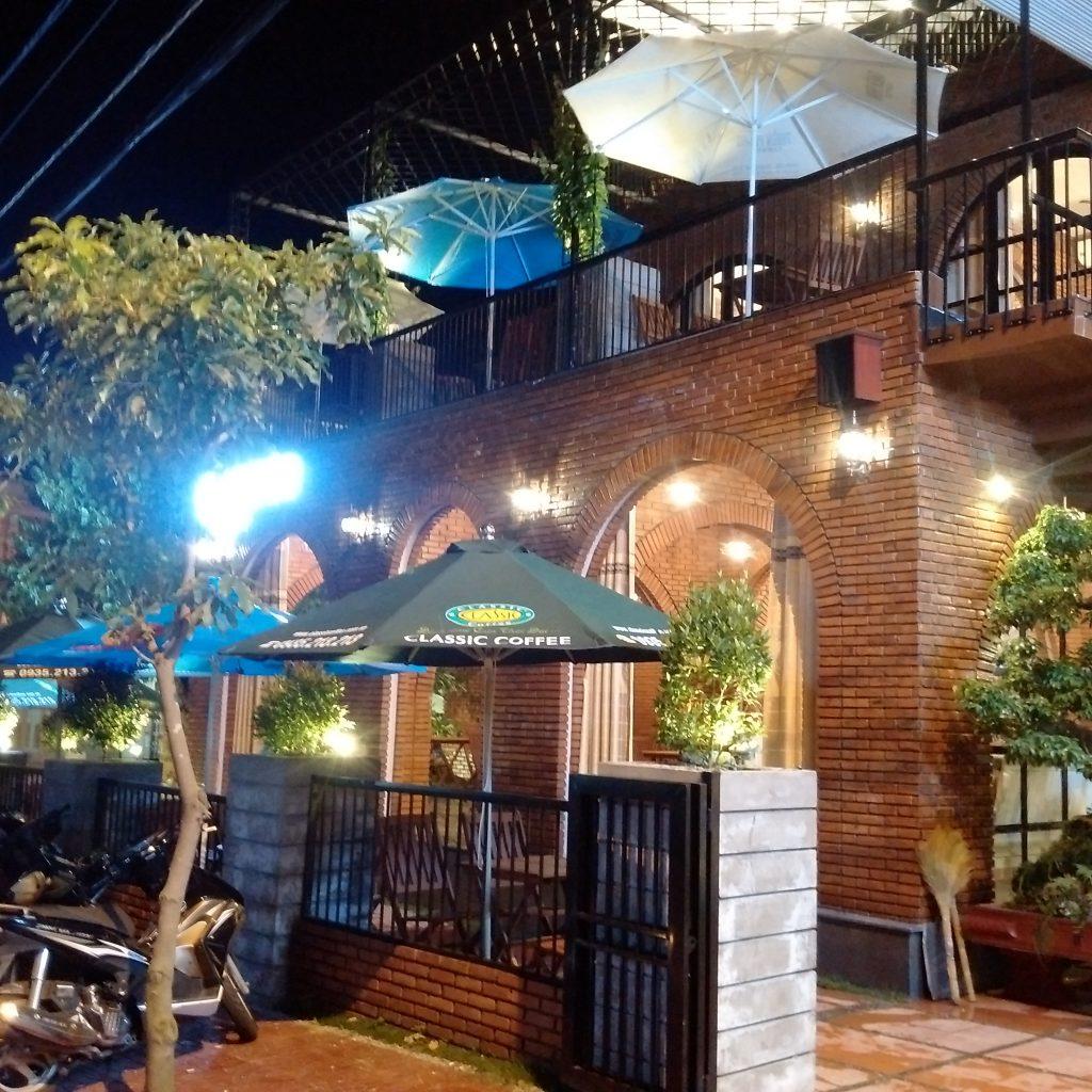 Hoàn thiện quán cafe sân vườn Narcos